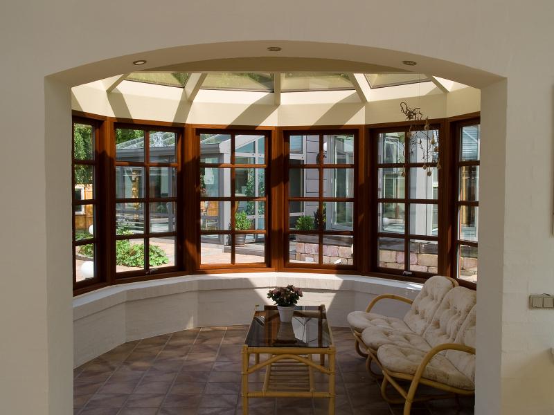 Деревянное и пластиковое окно - сравнение