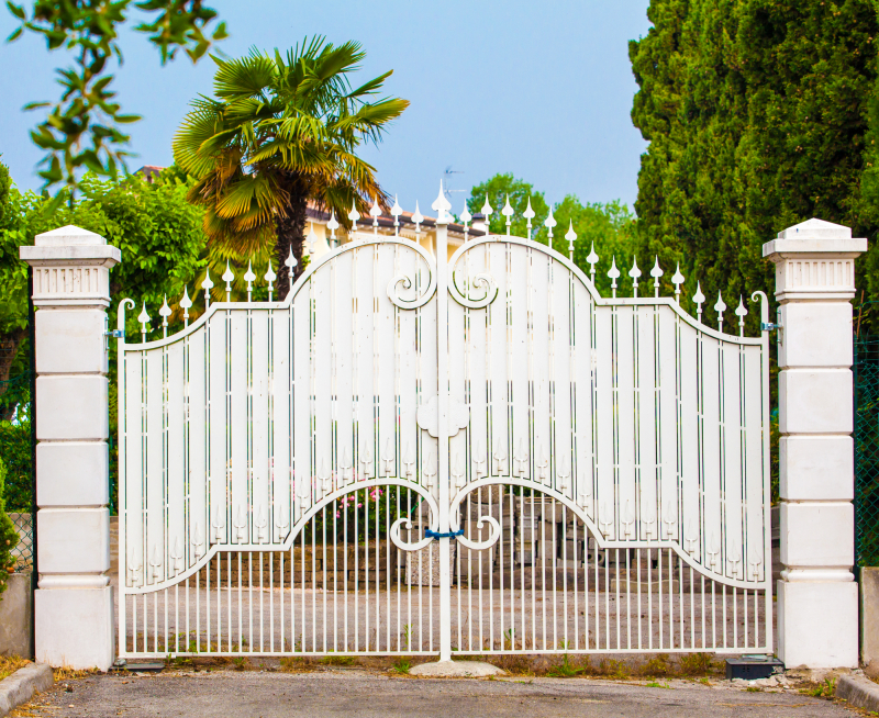 Дизайн распашных ворот